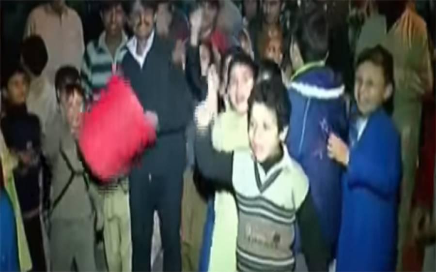 گلبرگ: خان کالونی میں پانی کی شدید قلت، علاقہ مکین سراپا احتجاج