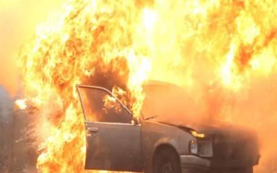 گلبرگ:مین بلیوارڈ اووریگا سنٹر کے قریب کار میں آتشزدگی