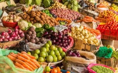 شادمان اتوار بازار میں پھلوں ،سبزیوں کی قیمتوں میں اتار چڑھاؤ برقرار