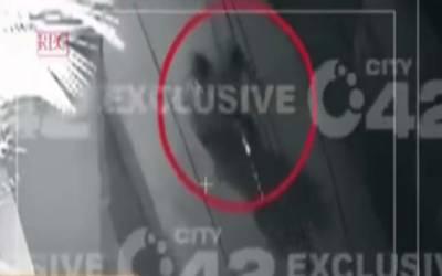 کاہنہ:موٹرسائیکل چوری کی واردات، سٹی42 نے سی سی ٹی وی فوٹیج حاصل کر لی