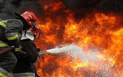 رائیونڈ روڈ پر الیکٹرونکس کا سامان بنانے والی فیکٹری ہائیر میں آگ لگ گئی