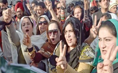 الیکشن کے نازک مرحلے میں کپتان نےناراض خواتین کو ''کول ڈاؤن''رکھنے کا پلان بنا لیا