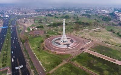 لاہور میں موسلا دھار بارش کے باوجود پانی نایاب ہوگیا