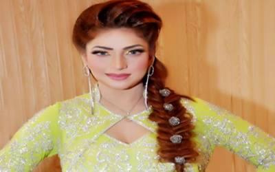 ماہ نور نے تماثیل تھیٹر میں رقص سے دھوم مچا دی