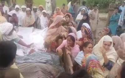 پھلروان گاؤں میں ایک ہی خاندان کے 5 افراد قتل، ورثا کا شدید احتجاج