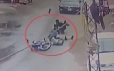 موٹر سائیکل سوار منچلوں نے 22سالہ نوجوان کی جان لے لی
