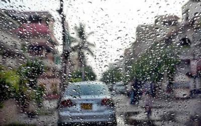 موسم سرما کی پہلی بارش، شہریوں کے چہرے کھل اُٹھے