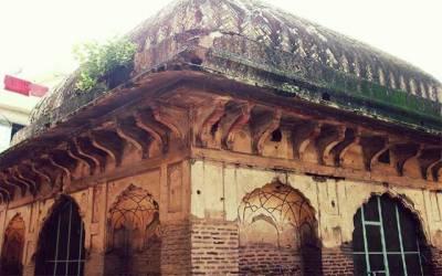 مقبرہ جانی خان خستہ حالی کا شکار ہونے کے باعث حکام کی توجہ کا منتظر