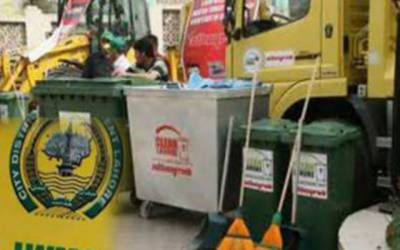 تنخواہوں سے محروم ایل ڈبلیو ایم سی ملازمین کا کچرا اٹھانے سے صاف انکار