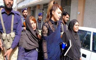 ماڈل ایان علی نے وارنٹ گرفتاری کے خلاف لاہور ہائیکورٹ سے رجوع کرلیا