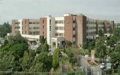 جناح ہسپتال نکاسی آب کا مسئلہ سنگین، تعفن پھیلنے لگا