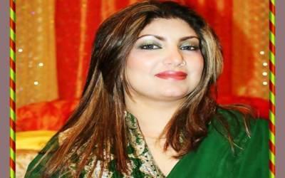 پاکستان کرکٹ ٹیم سے محبت، گلوکارہ سائرہ نسیم بھی پیچھے نہ رہیں