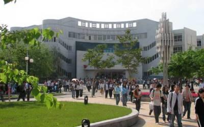 چین میں پھنسے پاکستانی طلبا کی سنی گئی
