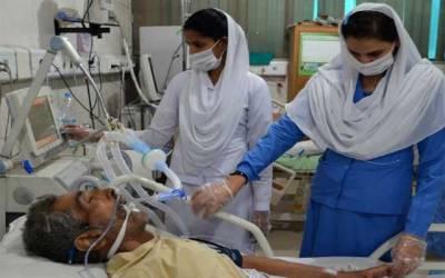 عید پر بھی ڈاکٹرز اور نرسز دکھی انسانیت کی خدمت میں مصروف