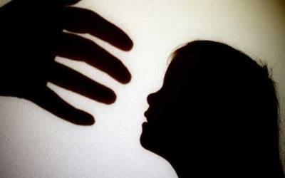 کمسن بچی کیساتھ زیادتی، متاثرہ خاندان کو سنگین نتائج کی دھمکیاں ملنے لگیں