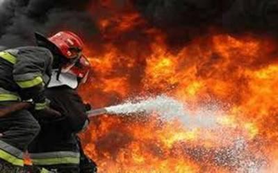 نسبت روڈپر پلازے میں آتشزدگی، لاکھوں کا سامان جل گیا