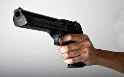 گھر کے باہر سوئے ہوئے شخص کو نامعلوم افراد نے قتل کر دیا