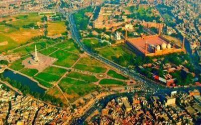 لاہور کی اہم شاہراہوں کو خوبصورت بنانے کا فیصلہ