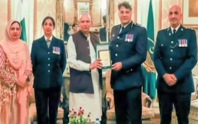 گورنر پنجاب سے پاکستانی نژاد برطانوی پولیس افسران کی ملاقات