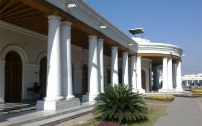 پنجاب حکومت کی بیوروکریٹس پر نوازشات