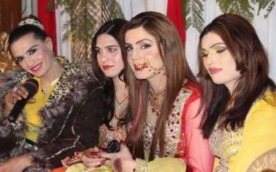 خواجہ سراؤں نے حقوق کے حصول کیلئے وزیراعظم پاکستان سے مطالبہ کردیا