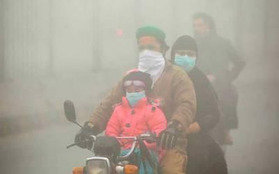 کہیں سموگ کہیں فوگ لاہور شہر دھندلا گیا، سانس لینا دوبھر