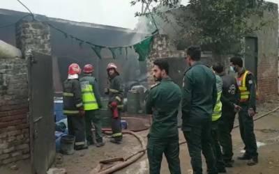 شیرا کوٹ: ورکشاپ میں کھڑی گاڑی میں آگ بھڑک اٹھی