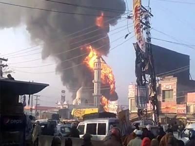شاہدرہ کے علاقے برکت ٹاؤن میں واقعہ پیٹرول پمپ کے سٹور میں آتشزدگی