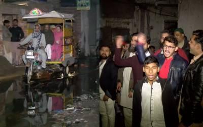 بہادر آباد میں سیوریج کا نظام درہم، شہریوں کا جینا محال