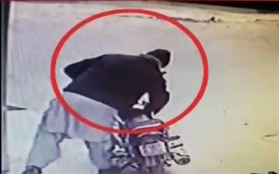 موٹڑسائیکل چوری کی واردات، سی سی ٹی وی فوٹیج سٹی 42 کو موصول
