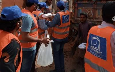 لاک ڈائون،الخدمت اور انجمن آرائیاں کے کارکن گھر گھر کھانا پہنچانے میں سرگرم