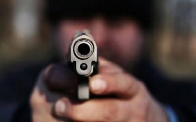 ڈکیتی کی واردات، ڈاکوؤں نے تین بھائیوں پر گولیاں چلادیں
