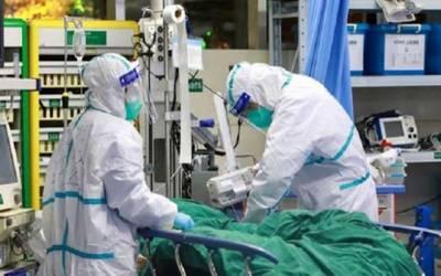سینکڑوں ڈاکٹرز کورونا سے لڑ تے لڑتے بیمار ہوگئے
