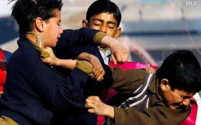 بچوں کی لڑائی میں صلح کرانا شہری کو مہنگا پڑگیا