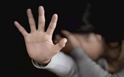وکیل نےخاتون کو زیادتی کا نشانہ بناڈالا