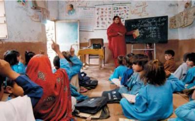 پروموشن حاصل کرنے والی سینکڑوں خواتین اساتذہ رل گئیں