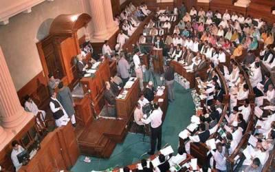 پنجاب اسمبلی ایوان قاتل قاتل کے نعروں سے گونج اٹھا