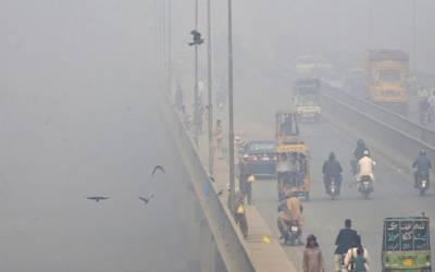 لاہور میں فضائی آلودگی سر اٹھانے لگی