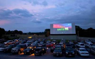 اسلام آباد کا ڈرائیو اِن سنیما، کورونا بحران میں تفریح کا ذریعہ بن گیا