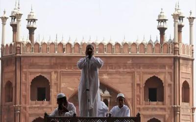 انتہا پسند ہندوؤں نے اذان پر پابندی کا بہانہ ڈھونڈ لیا