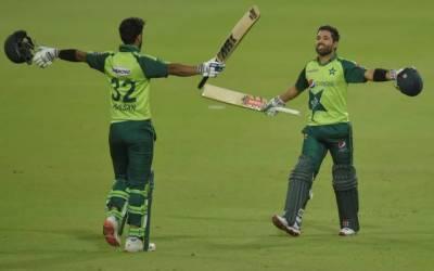 پاکستان نےسنسنی خیز مقابلے کے بعد پہلا ٹی ٹوئنٹی جیت لیا