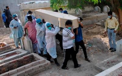 موذی وائرس پھر نہ تھما،کئی قیمتی زندگیاں نگل گیا،ہزاروں نئے کیسز رپورٹ