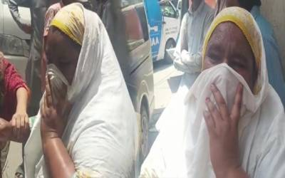 Women Crying after blast