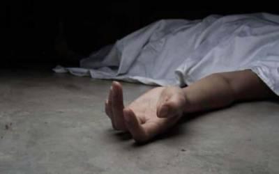 موبائل فون پر بات کرنا جرم بن گیا، گلوکار کابھتیجا قتل