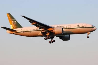 پی آئی اے  ہے یا بس سروس، دوران پرواز منرل واٹرگلاس میں ملے گا