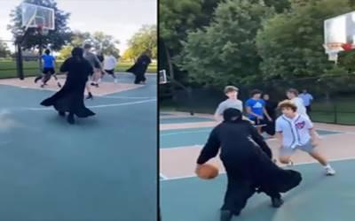 پردہ رکاوٹ نہیں،برقعہ میں باسکٹ بال کھیلنے کی ویڈیو وائرل