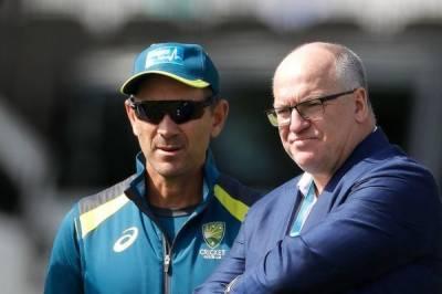 Earl Eddings and justin langer australian cricket heads