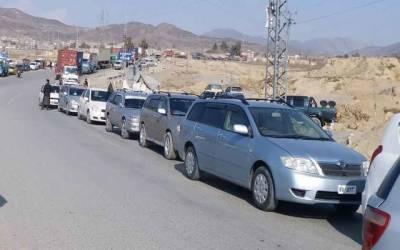 Crackdown against non-customs vehicles