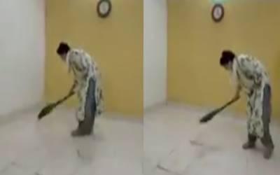 Priyanka Gandhi cleaning